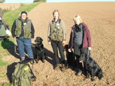 Von links nach rechts: Susanne mit Luke, Sahra mit Frieda, Renate mit Newton